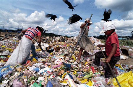 The Architect's office: Gleaners and waste pickers in ascrapyard.