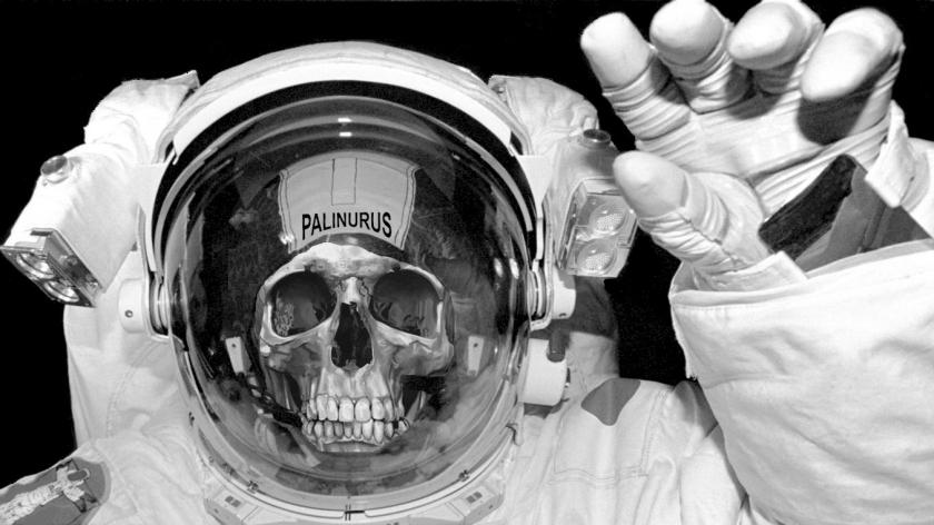 what-nasa-does-when-an-astronaut-dies-in-space-05.jpg